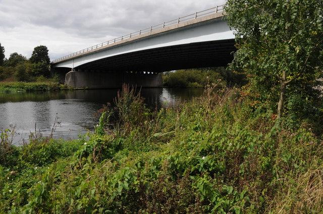 Bridge carrying the M3