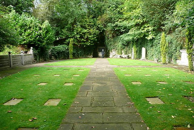 Cliveden, war memorial garden