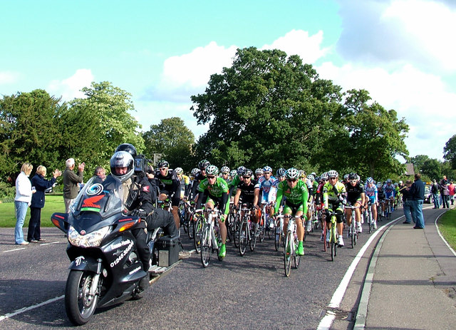 Cycle Tour of Britain 2010 passes through