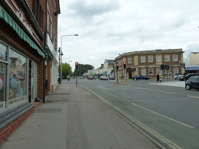 Portsmouth Road, Victoria Road, Bridge Road crossroads (c)