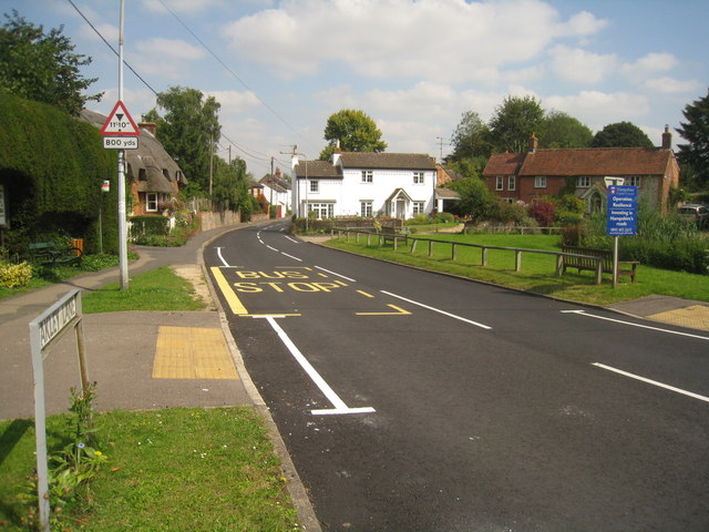 New road markings - Oakley Lane