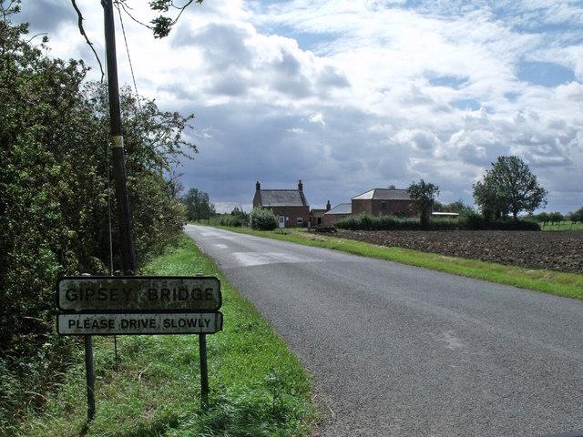 Leagate road enters Gipsey Bridge