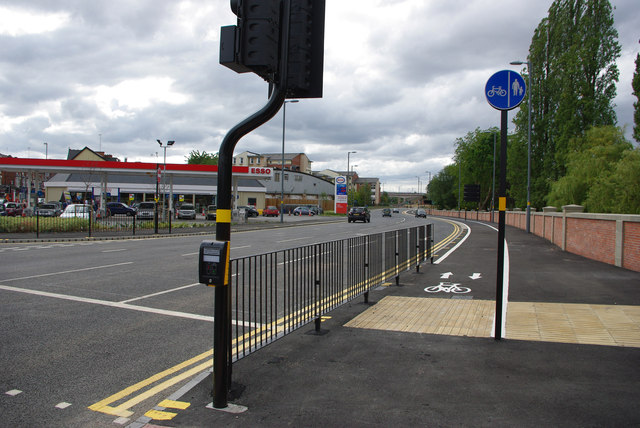 Pedestrian crossing and cycle path - Selly Oak New Road Phase 2 (Aston Webb Boulevard)