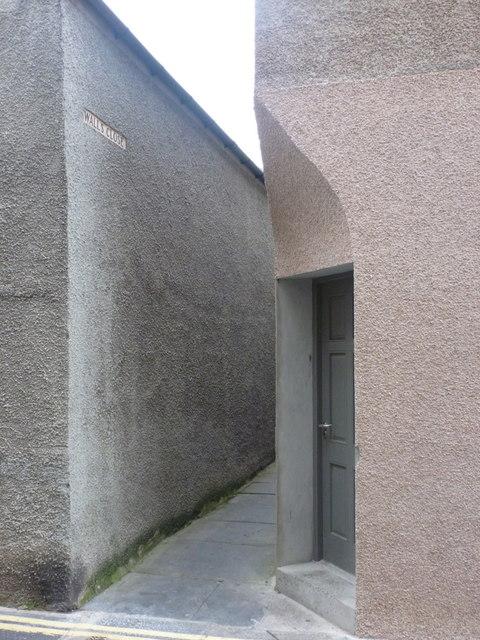 Kirkwall: Walls Close