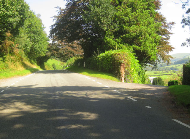 B4404 past Hendreseifion