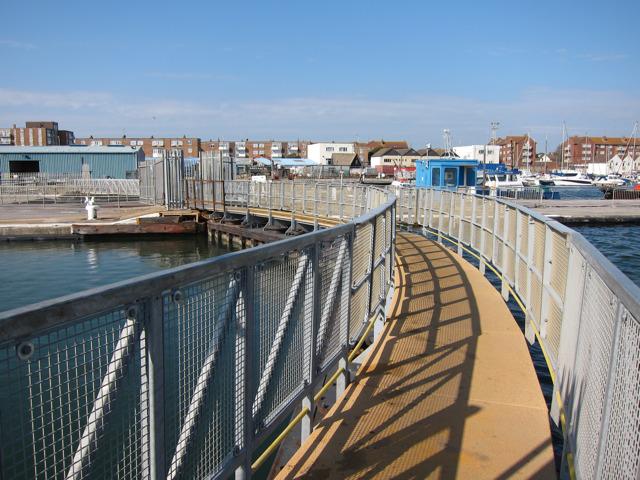 Footbridge over southern lock