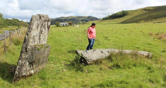 Broken standing stone, Creagantairbh Beag