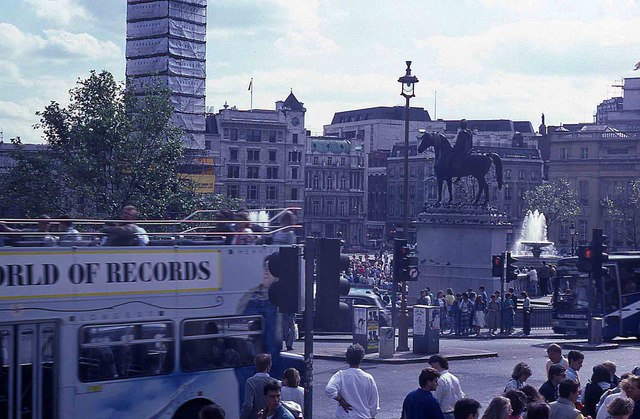 Tourists in Trafalgar Square (4)