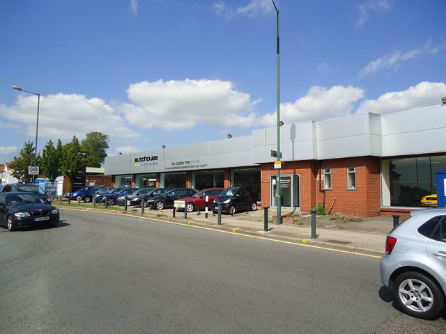 Car dealer, Alperton