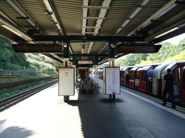 Hanger Lane underground station