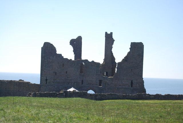 Ruined gatehouse, Dunstanburgh Castle