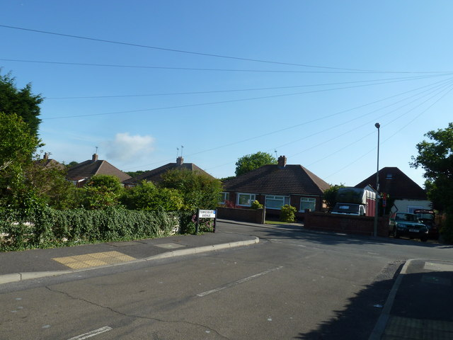 Looking from Tewkesbury Avenue into Fareham Park Road