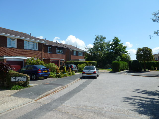 Houses in Park Farm Close