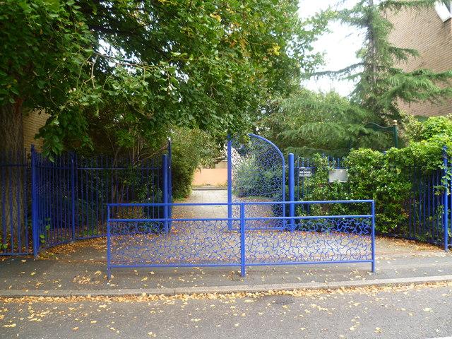 Entrance to McDermott Road Community Garden