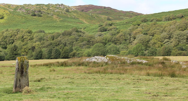 Decorated rock near Torbhlaran standing stone
