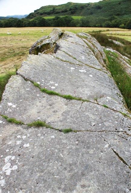 Decorated rock, Torbhlaran