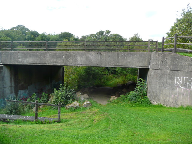 Road bridge in Strathclyde Park