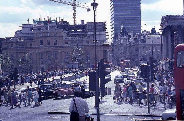 Tourists in Trafalgar Square (5)