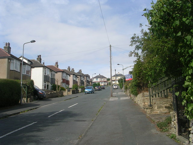 Hinchliffe Avenue - Woodcot Avenue