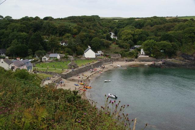 The bay at Cwm-yr-Eglwys