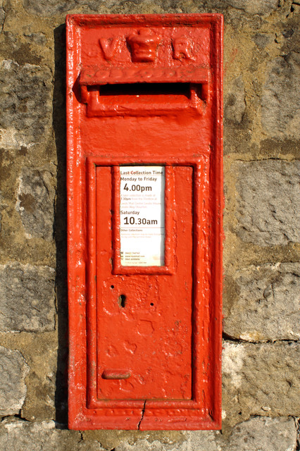 Victorian Postbox, Farnley