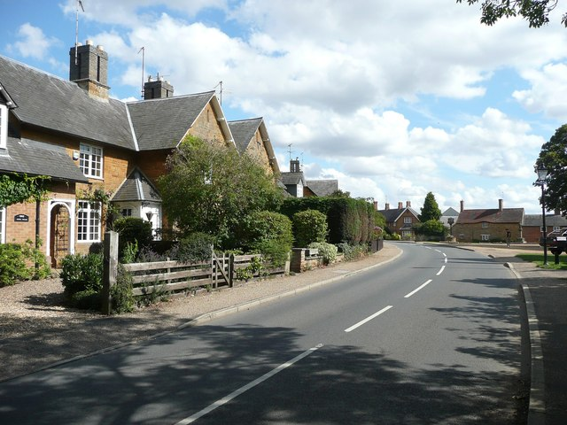 Estate houses at Sywell