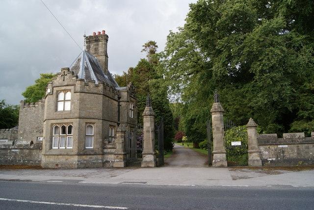 Hornby Castle Gates & Lodge
