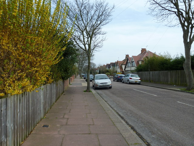 Pavement in Bulkington Avenue
