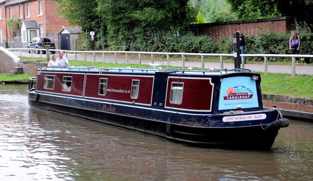 Narrow boat near The Swan pub