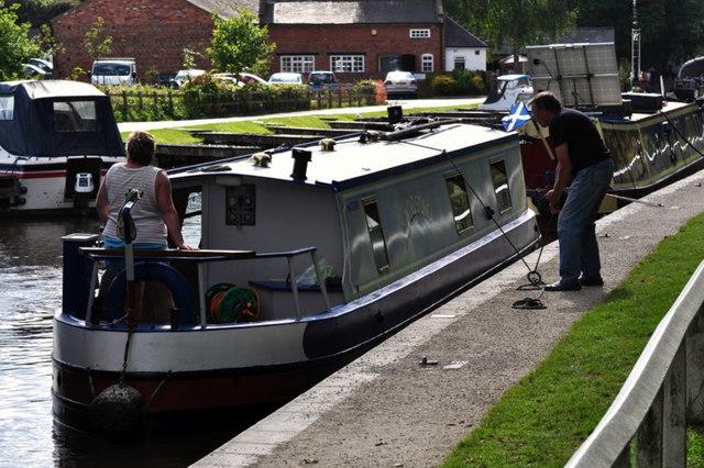 Securing a narrowboat
