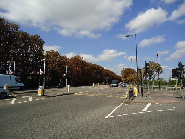 Greenford Road, Greenford