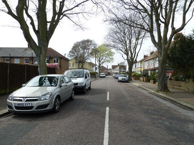 Looking westwards in Bulkington Avenue