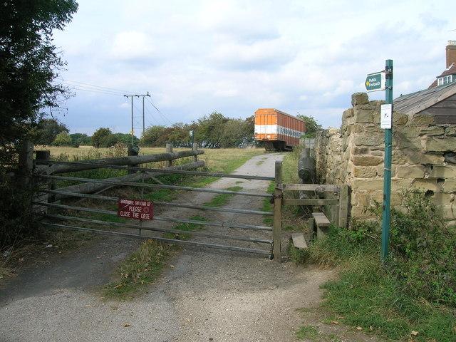 Footpath off Common Lane