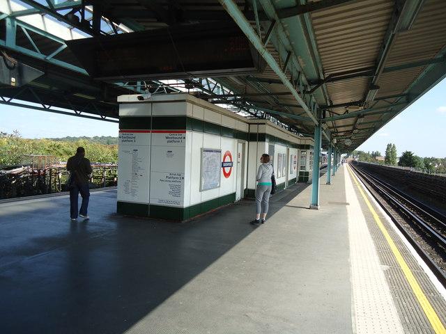 Greenford underground station