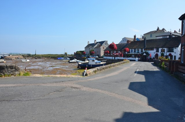 Cockwood: The Anchor Inn by the Harbour