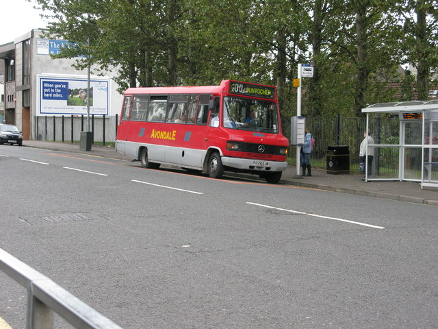 A bus on Kilbowie Road (A8014)