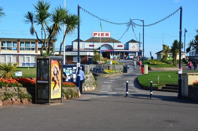 Teignmouth: Pier Entrance
