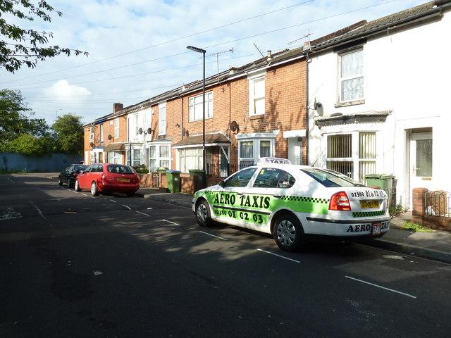 Taxi in Hartington Road