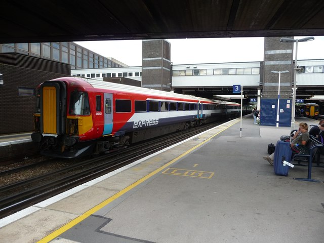West Sussex : Gatwick Airport Rail Station