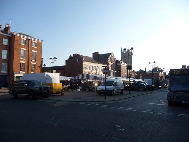 Ludlow market setting up