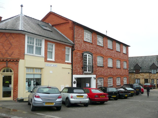 Harcourt Square, Earls Barton