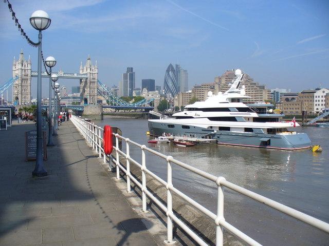 "Superyacht ""Aviva"" in London"
