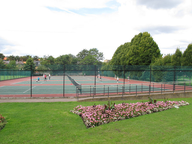 Tennis courts in King George's Park