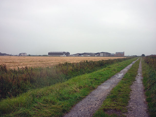 The bridleway north of Moss House Farm