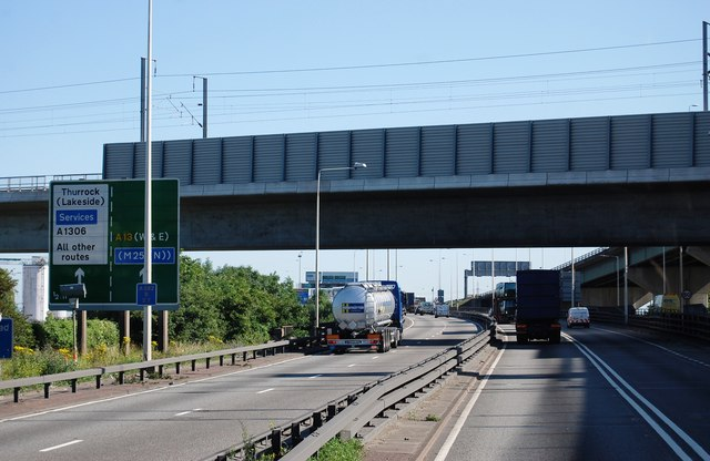 Channel Tunnel Rail link crosses the A282