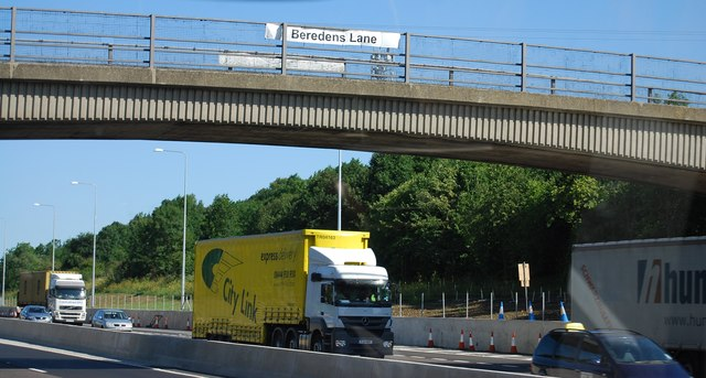 Beredens Lane overbridge, M25