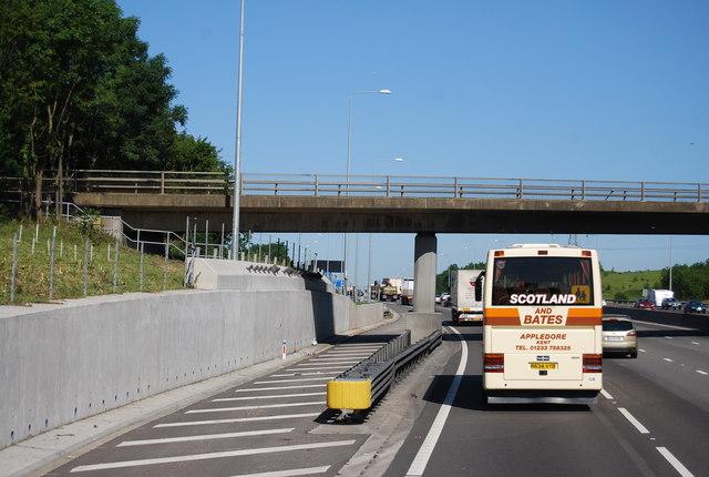 Mount Road overbridge, M25
