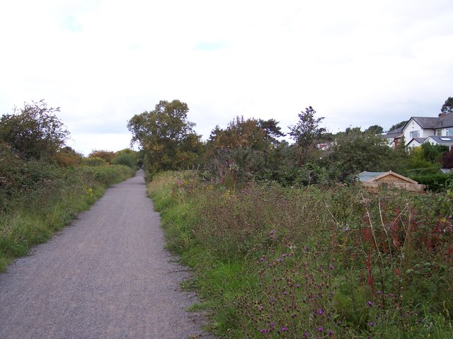Wirral Way runs parallel to Pipers Way