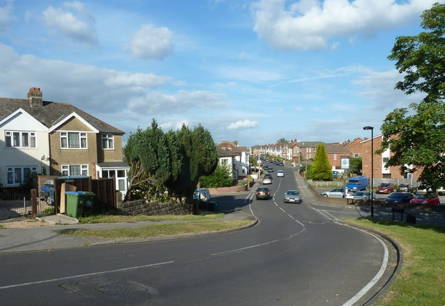 Looking from Pear Tree Green along Sholing Road