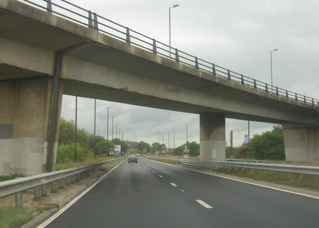 A339 approaching the M4